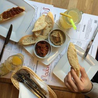01 - Pasty - Hummus i Chutney z papryki