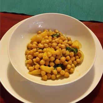 Kolorowy Talerz - Curry z ciecierzycy