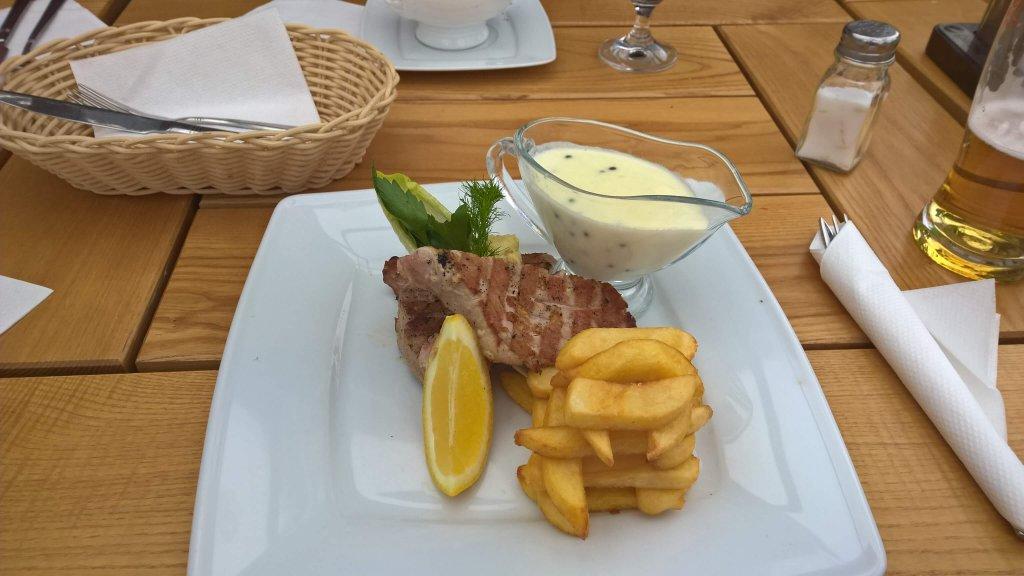 Stek z tuńczyka - Restauracja Rafa