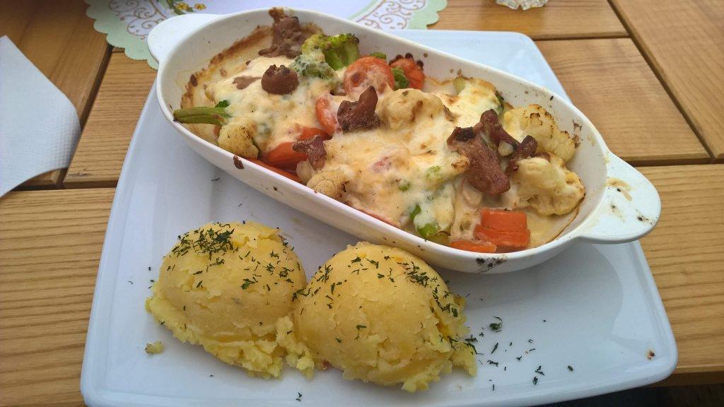 Zapiekany sandacz z warzywami - Restauracja Rafa