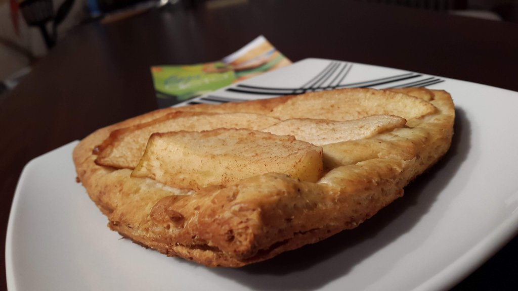 Ciasto półfrancuskie z jabłkiem