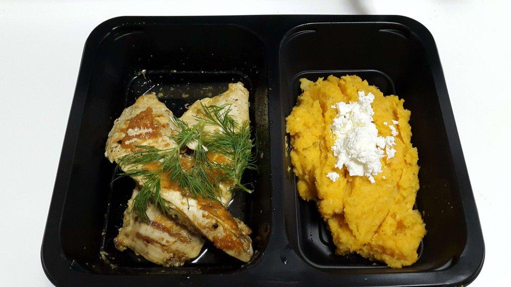 Kurczak z puree z ziemniaka i selera