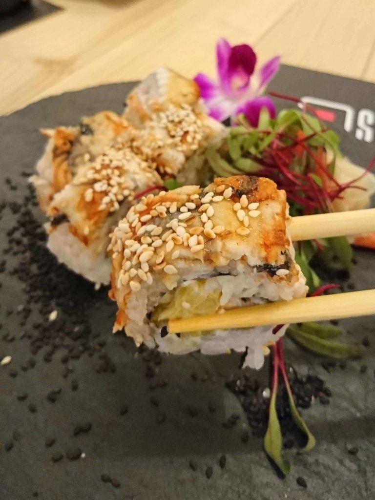 susharnia sushi bar - king dragon