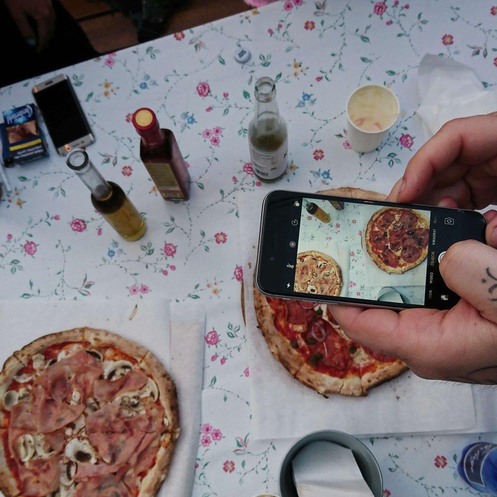 pizza katowice sezenovo