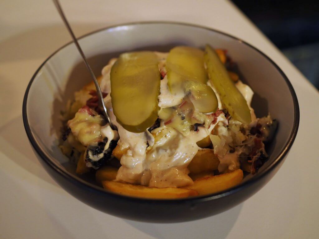 Zelter - Pastrami frytki