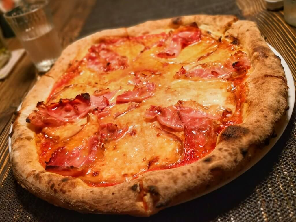 Pizza z pieca - Breasola