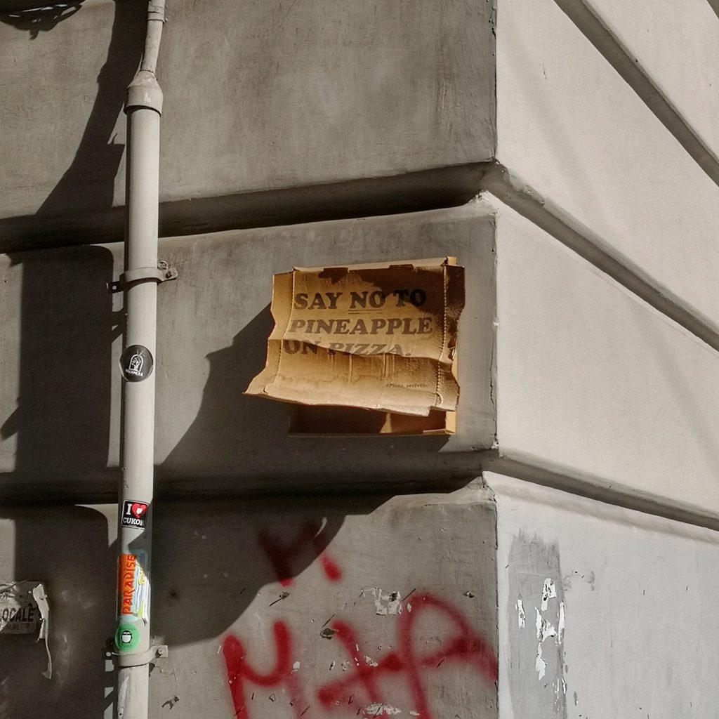 Neapol - śmieszki ananas